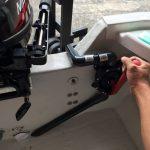 カートップボートに手動ダイアフラム式ビルジポンプを艤装
